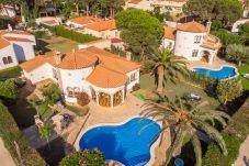 Villa en Miami Playa - BARON Villa con piscina, jardín, bbq y...