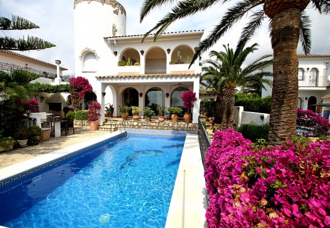 Villa en Miami Playa - B29 VISTA villa con piscina privada vistas al mar