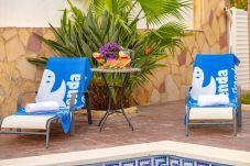 Villa en Miami Playa - FLANDES Villa piscina jardín privado, Wifi gratis