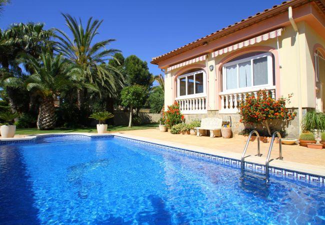 Villa en Miami Playa - LOURDES Villa piscina privada, jardín, Wifi gratis