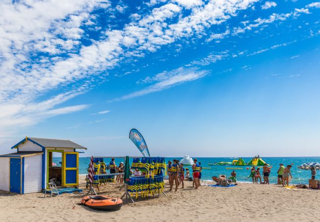 Villa en Miami Playa - MAGNA Villa piscina, cerca del mar, Wifi gratis