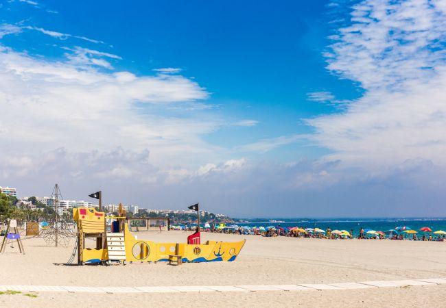 Apartamento en Miami Playa - FLAM202 1ª linea playa, piscina, Wifi gratis