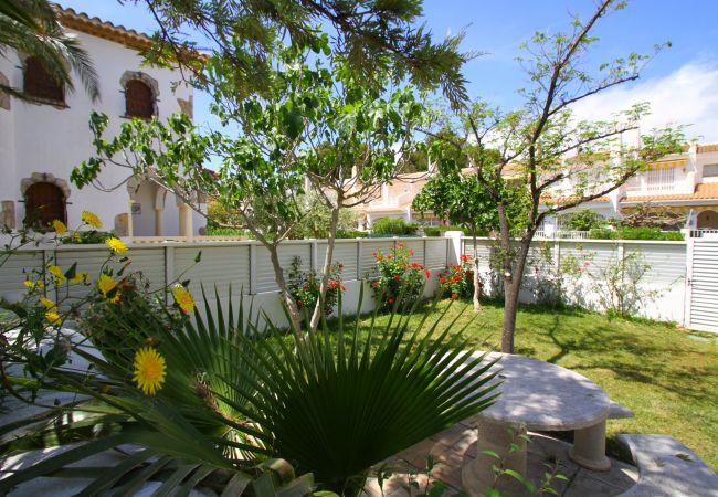 Casa en Miami Playa - LIMA adosado primera línea, barbacoa y piscina