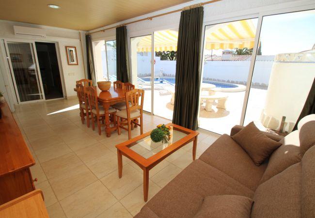 Villa en Miami Playa - NORA villa con piscina privada y jardín