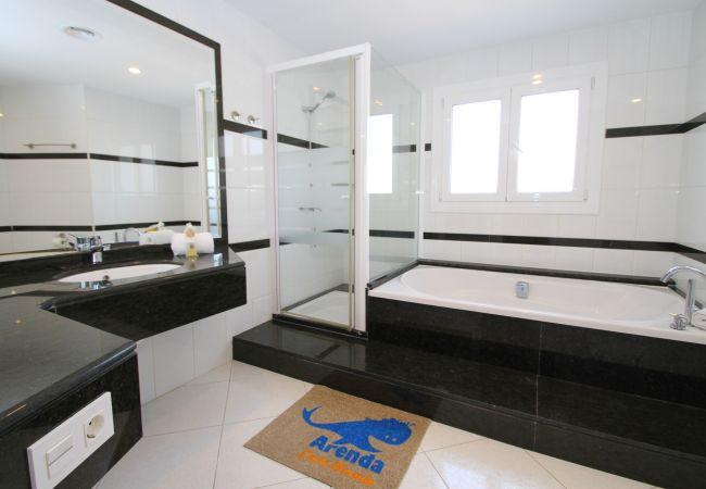 Villa en Miami Playa - ALAMO Gran villa piscina privada y WiFi gratis