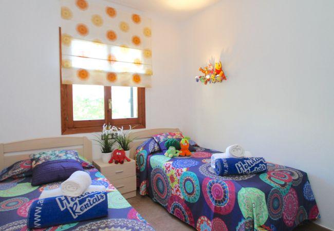 Casa adosada en Miami Playa - MARTIN18 adosado junto a playa especial niños