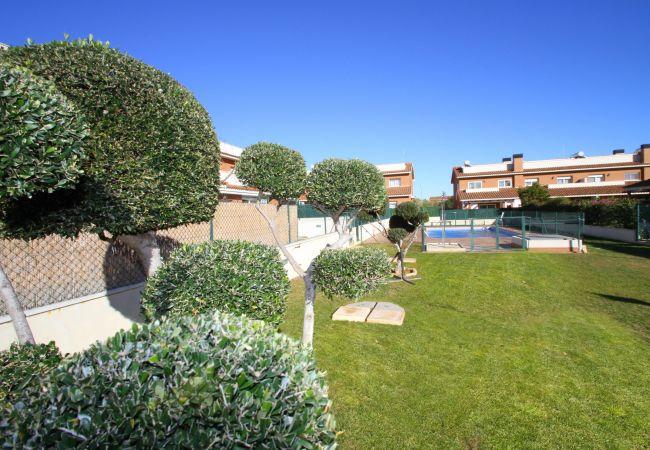 Casa en Hospitalet de L´Infant - C52 Casa Leti adosado con jardín, bbq y piscina
