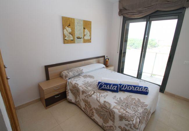 Apartamento en Hospitalet de L´Infant - PLAYA D'OR Ático, piscina, BBQ, vistas, Wifi grati