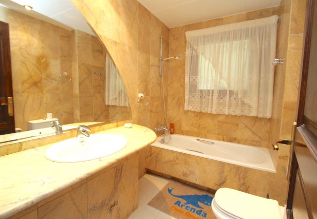Villa en Hospitalet de L´Infant - Villa FLAMINGO, Piscina privada, BBQ, Wifi gratis