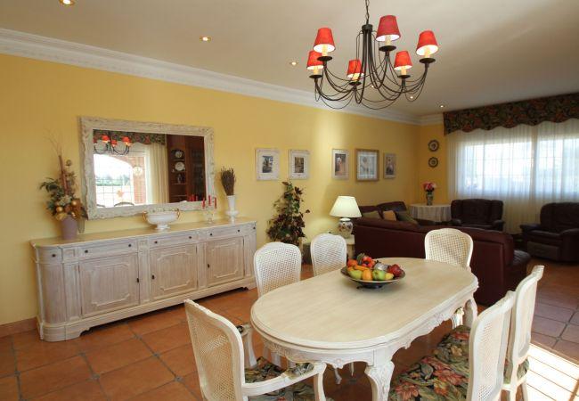 Villa en Miami Playa - GLADYS Gran villa piscina privada BBQ Wifi gratis