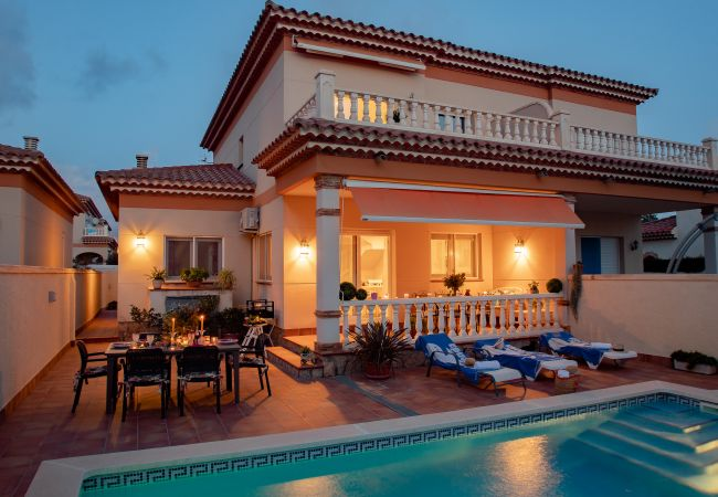 Villa en Miami Playa - JAZMIN villa adosada con piscina privada Wi-Fi