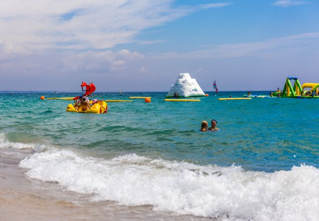 Casa adosada en Miami Playa - CALETA adosado 1ª línea del mar, piscina comun