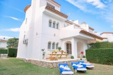 Casa adosada en Miami Playa - BEDOL6 Adosado jardín, piscina comun, WiFi gratis