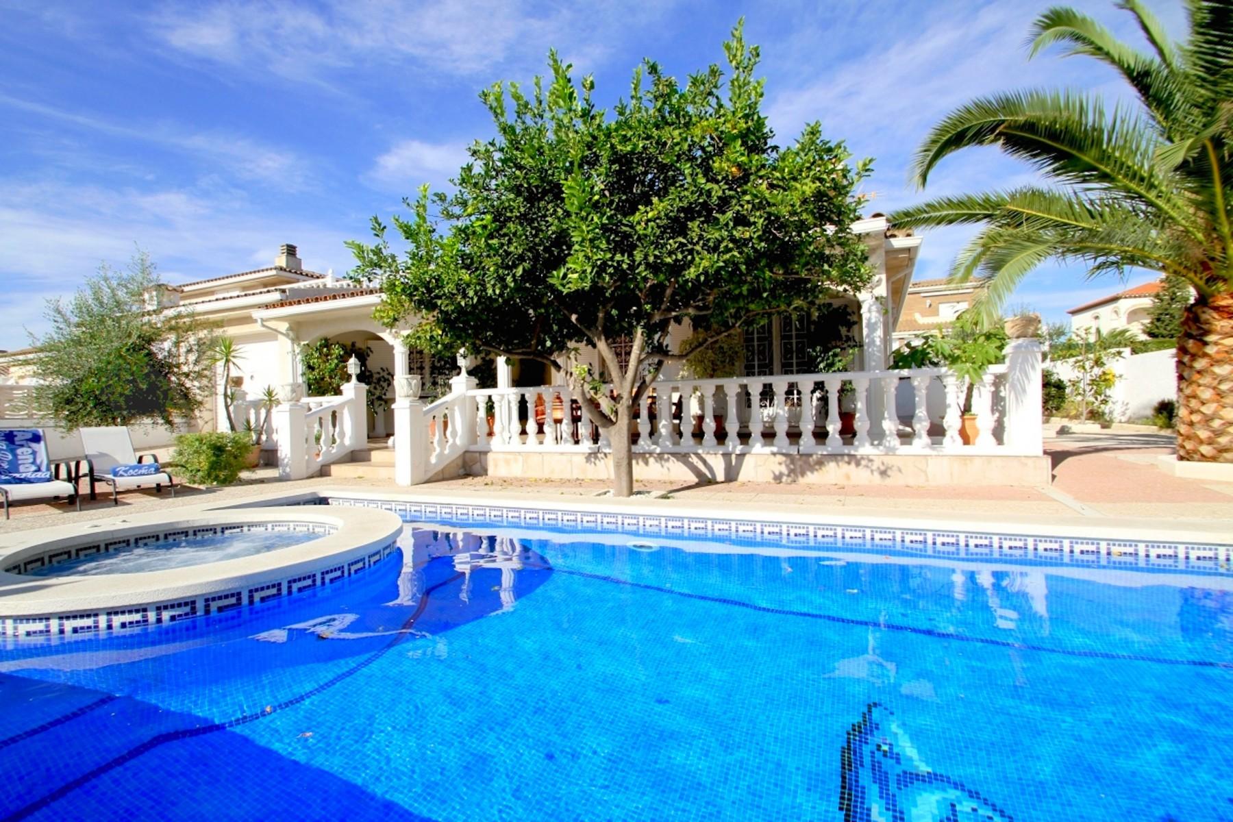 Villas in Miami Playa - LEMON Villa con piscina, jacuzzi y Wifi gratis