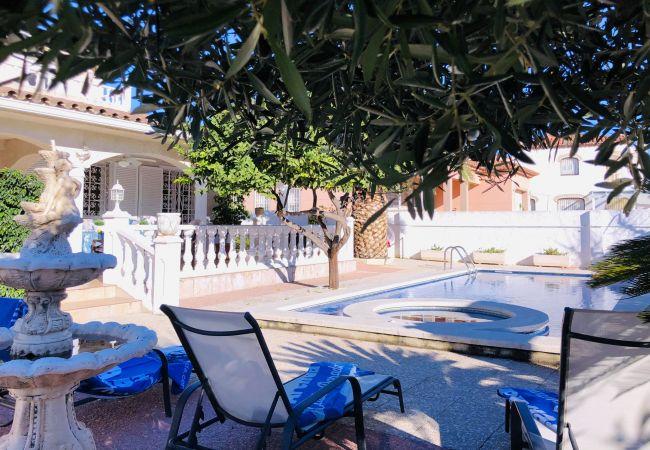 Villa in Miami Playa - LEMON Villa con piscina, jacuzzi y Wifi gratis