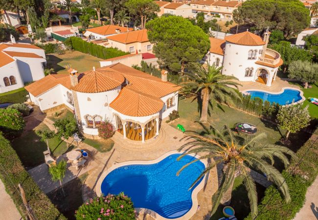 Villa in Miami Playa - BARON Villa con piscina, jardín, bbq y wifi gratis