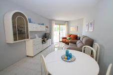 Apartment in Miami Playa - FLAM213 1ª linea playa, piscina, Wifi gratis