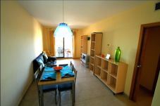 Apartment in Hospitalet de L´Infant - OLIVERAS IVB Apartamento, piscina, Wifi gratis