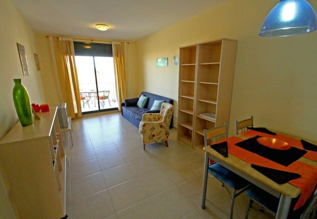 Apartment in Hospitalet de L´Infant - OLIVERAS IVC Apartamento, piscina, Wifi gratis