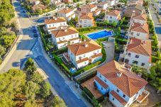 Townhouse in Miami Playa - MASIA2 adosado jardín privado, BBQ y piscina comun