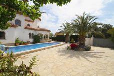 Villa in Miami Playa - GRANADA Villa piscina, jardín, BBQ, Wifi gratis
