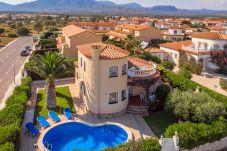 Villa in Miami Playa - COSTA Villa piscina, jardín, BBQ, Wifi gratis