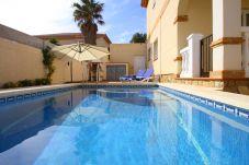Villa in Miami Playa - LISA con piscina privada y jardín
