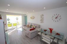Apartment in Miami Playa - FLAM318 1ª linea playa, piscina, Wifi gratis