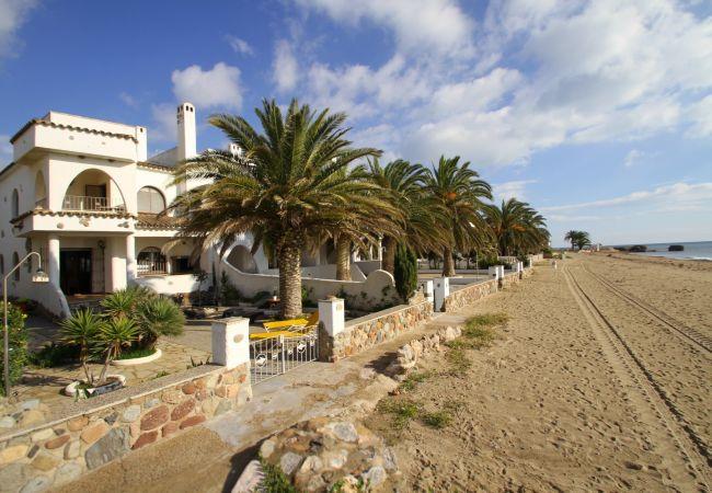 House in Miami Playa - ANCORA Adosado 1ª línea de playa, BBQ, Wifi gratis