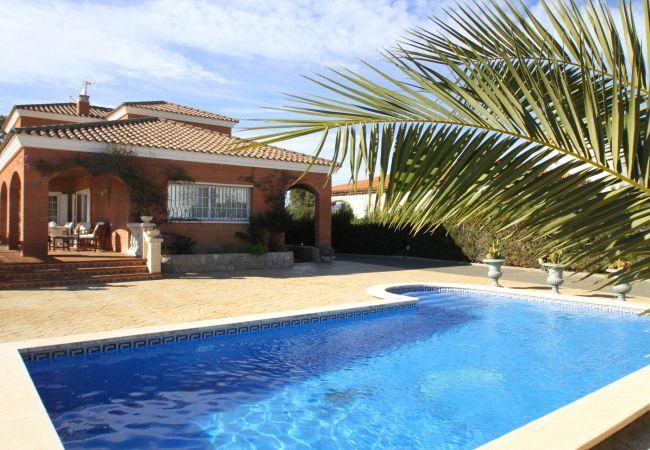 Villa in Miami Playa - GLADYS Gran villa piscina privada BBQ Wifi gratis