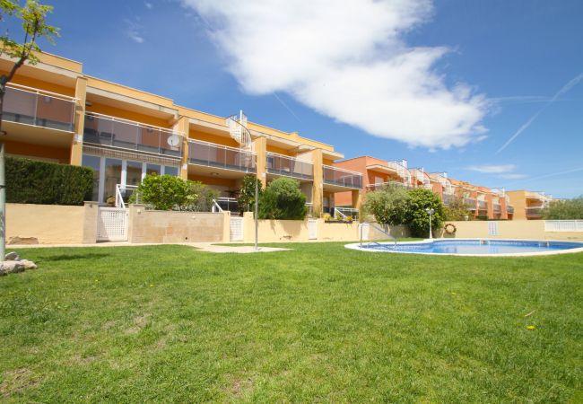 House in Hospitalet de L´Infant - AUGUSTA jardín privado, piscina comun y BBQ