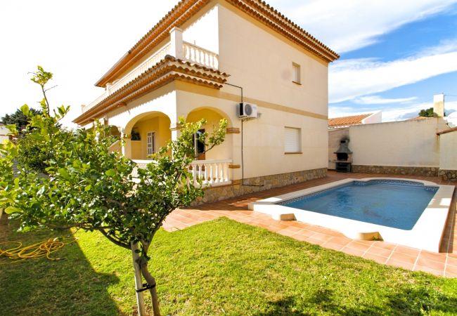 Villa à Miami Playa - ISIDRO Villa piscina privada, barbacoa y a/a