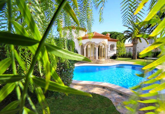 Villa à Miami Playa - B07 BARON villa piscina privada y gran jardín wifi