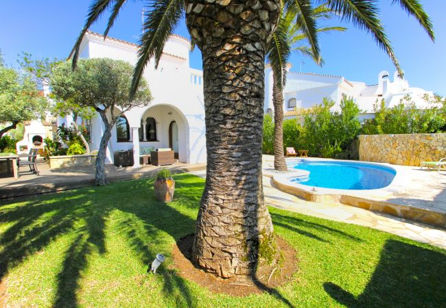 Villa à Miami Playa - B18 SULA villa con piscina privada cerca del mar
