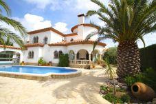 Villa à Miami Playa - GRANADA Villa piscina, jardín, BBQ, Wifi gratis
