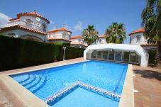 Maison mitoyenne à Miami Playa - COSTA RICA casa individual, piscina comun  y wi-fi