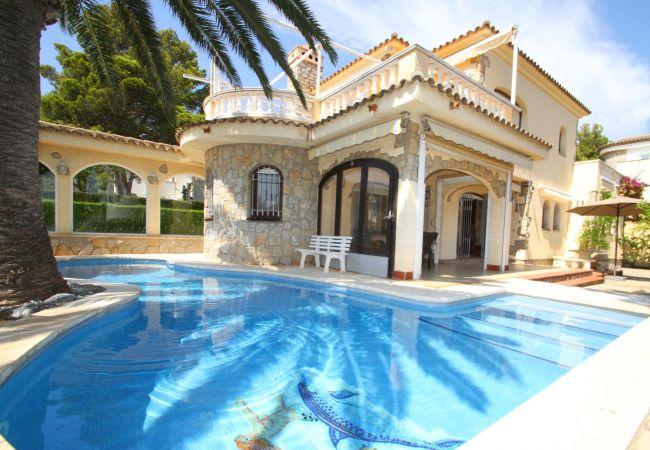 Villa à Miami Playa - B51 MAGNA villa piscina privada, cerca del mar
