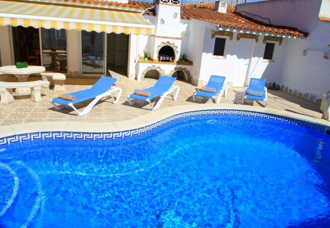 Villa à Miami Playa - B28 NORA villa con piscina privada y jardín
