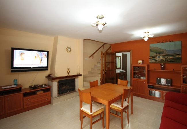 Maison à Miami Playa - C26 BOSQUE21 adosado con jardín barbacoa y piscina