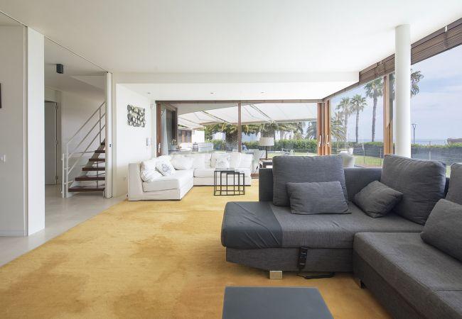 Villa à Miami Playa - DANNA Villa Lux 1ª línea, piscina y Wifi gratis