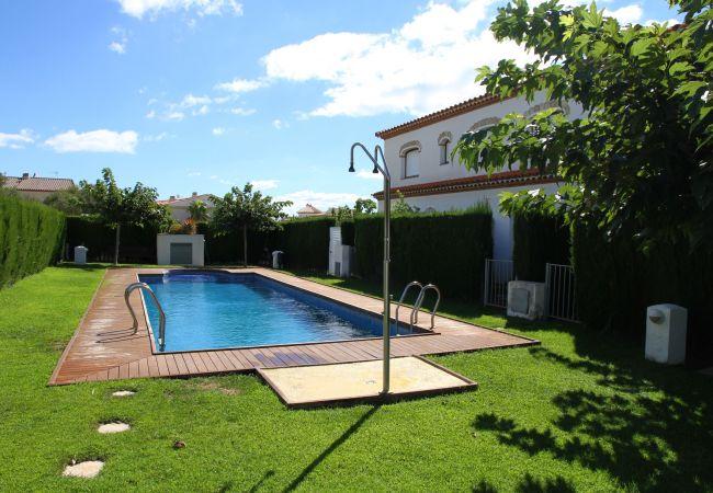 Дом на Майами Плайя / Miami Playa - MAGRA8 Adosado jardín privado, BBQ y piscina