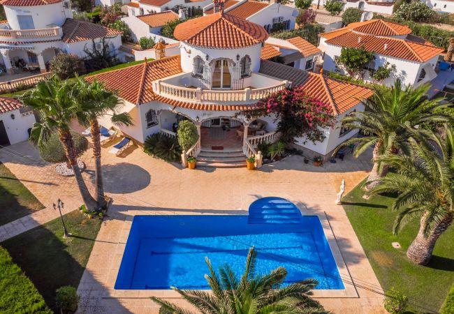 Вилла на Miami Playa - LIDIA Villa piscina privada, jardín, Wifi gratis